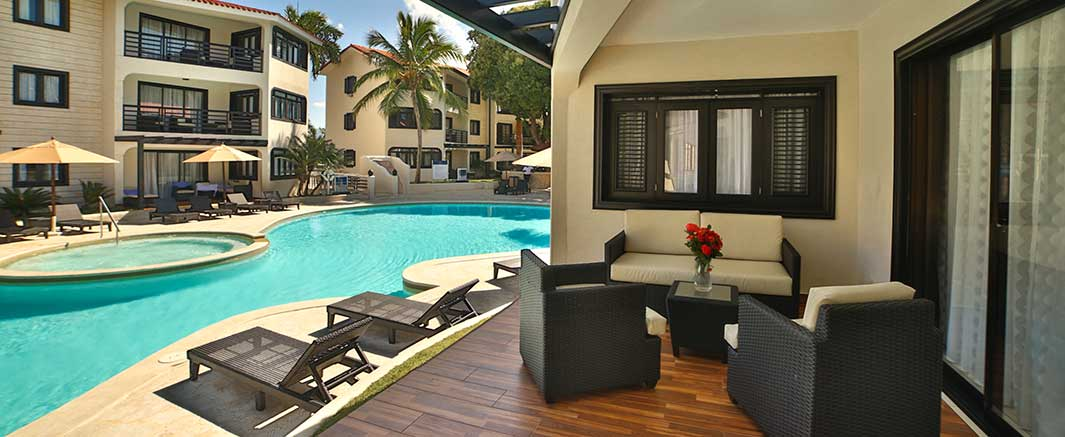 The Royal Suites Pool & Patio