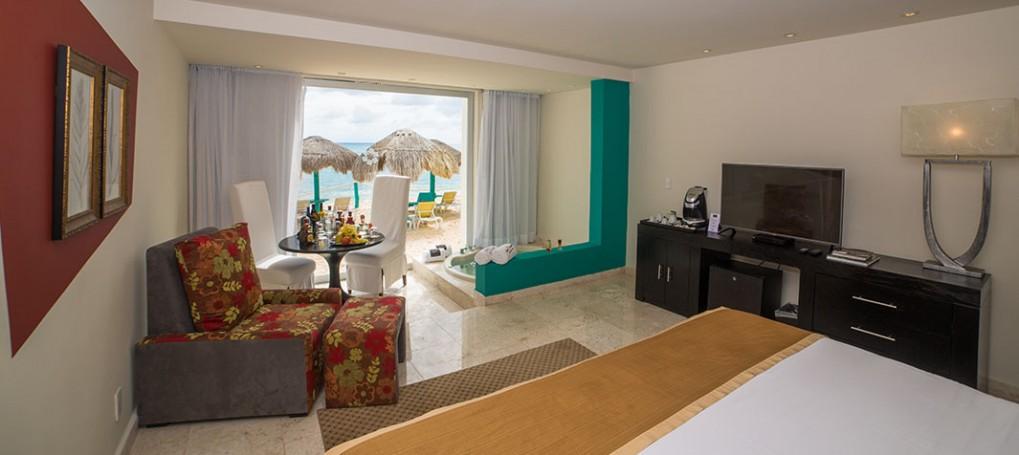 Grand Oasis Tulum beach front room