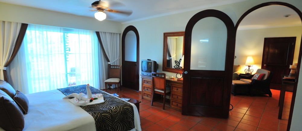 Dream Suites Costa Dorada Suite's Bedroom